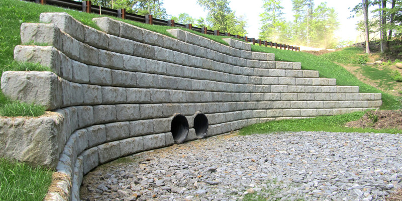retaining-wall-concrete-new-hampshire